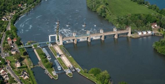 Mericourt locks aerial view